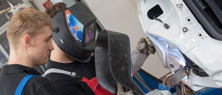 Kfz-Mechatroniker für Karosserietechnik (m/w)