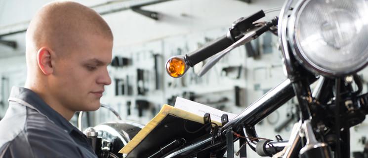Die Ausbildung zum Kfz-Mechatroniker (m/w) mit Schwerpunkt Motorradtechnik