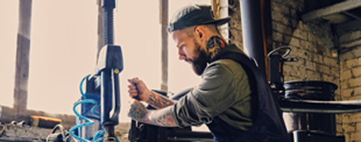 Tattoos& Piercings: Dresscode am Arbeitsplatz