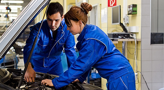 Kraftfahrzeugmechatroniker (m/w/d) – Personenkraftwagentechnik