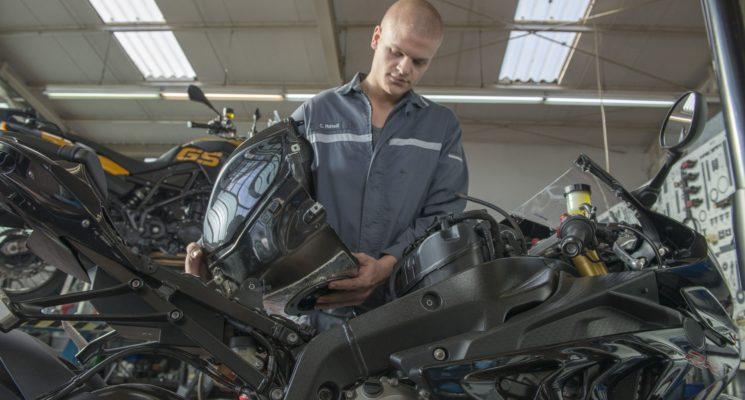 KRAFTFAHRZEUGMECHATRONIKER (M/W/D) – Motorradtechnik