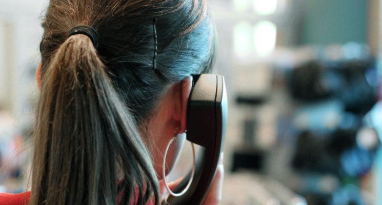 SICHERES AUFTRETEN AM TELEFON: SO ÜBERZEUGST DU AUCH BERUFLICH